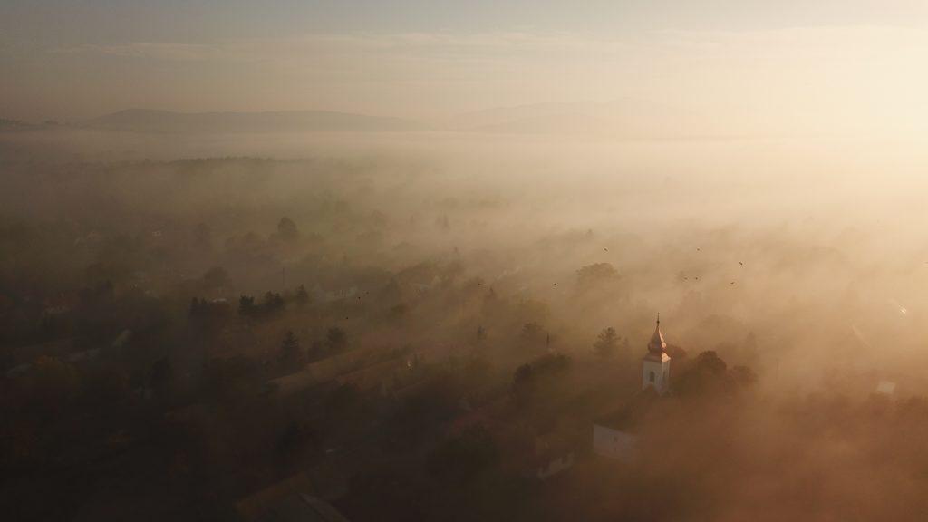 Kisoroszi, 2017. október 12-én reggel, fotó: Szily Boldizsár